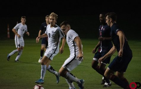 Men's soccer ties rival University of Detroit Mercy 1-1 on Saturday, Sept. 28.