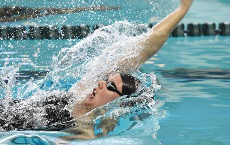 Senior named swimmer of the week