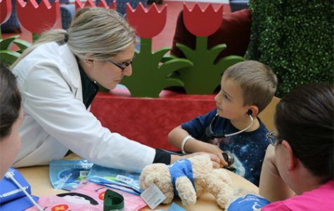 Teddy Bear Clinic gives OUWB students patient care experience