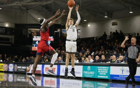 Men's basketball loses 80-50 to UIC