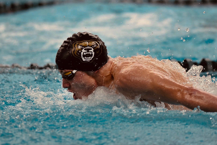 Sophomore+swimmer+Colton+Phelps+looks+to+accomplish+his+goals+at+the+upcoming+Horizon+League+Championship.%0A