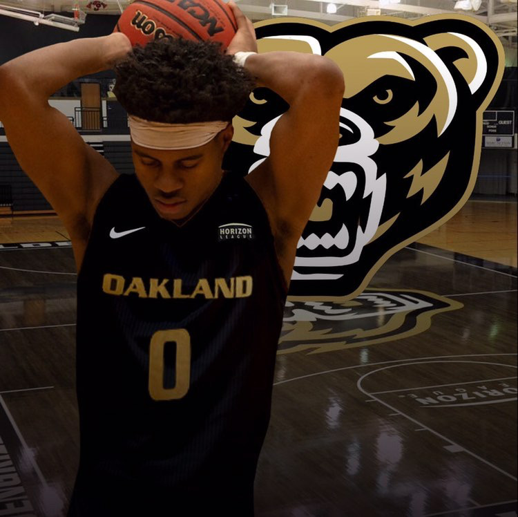 Young+posted+this+photo+on+Twitter+to+announce+his+commitment+to+Oakland+University