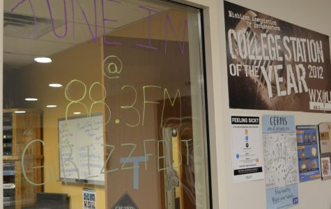 WXOU, the campus radio station, hosted a show discussing, recruiting, volunteering and involvement.