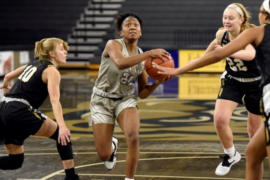 Kahlaijah Dean led the Golden Grizzlies in points, rebounds and assists in the win against the Mastodons.