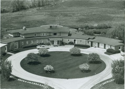 Sunset Terrace was built in a mid-century modern style, incorporating many curves and circles into the design. The home was originally meant to be a retirement home for Matilda Dodge Wilson and her husband Alfred G. Wilson.