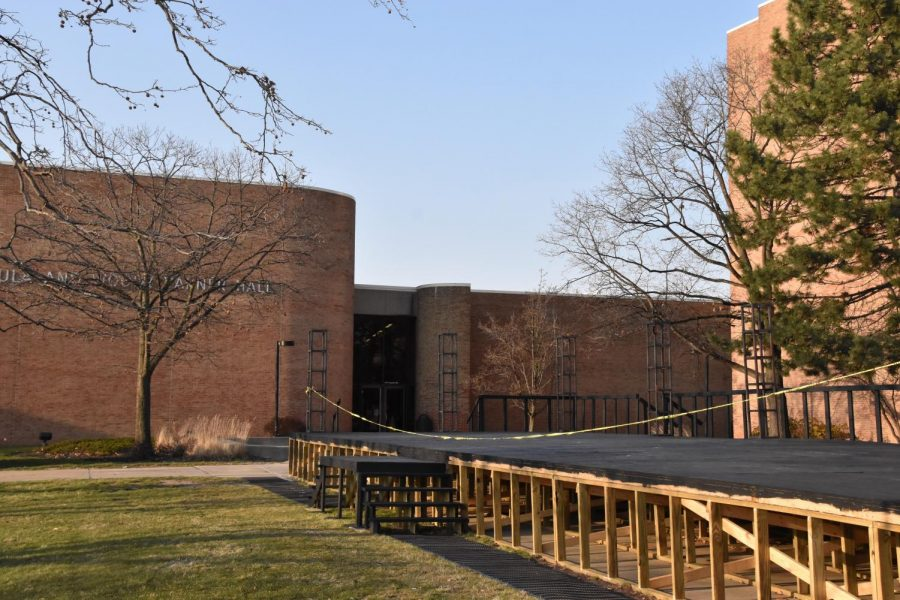"""The School of Music, Theatre and Dance (SMTD) will host a series of outdoor events from April through June called """"OU Outside the Box"""" performing arts festival."""