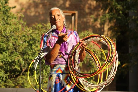Native American performer Kevin Locke addressing the crowd during his set at Sundays Peace Day Concert.