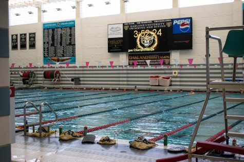 The swimming and diving team practices ahead of the Black and Gold Instrasqaud match.